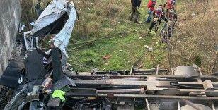 Kontrolden çıkan kamyon takla attı: 2 ölü