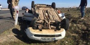 Diyarbakır'da iki otomobil kafa kafaya çarpıştı: 1'i ağır 5 yaralı