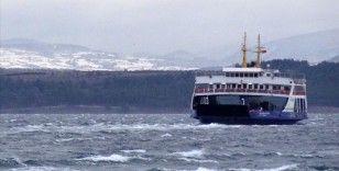 Bozcaada ve Gökçeada feribot seferlerinden bazıları fırtına nedeniyle iptal edildi