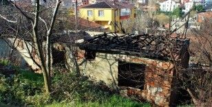 İnşaat halindeki ev alev alev yandı