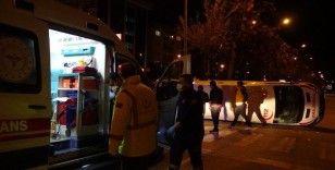 Çanakkale'de ticari taksi ile ambulans çarpıştı: 5 yaralı