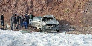 Van-Özalp karayolunda trafik kazası; 2 yaralı