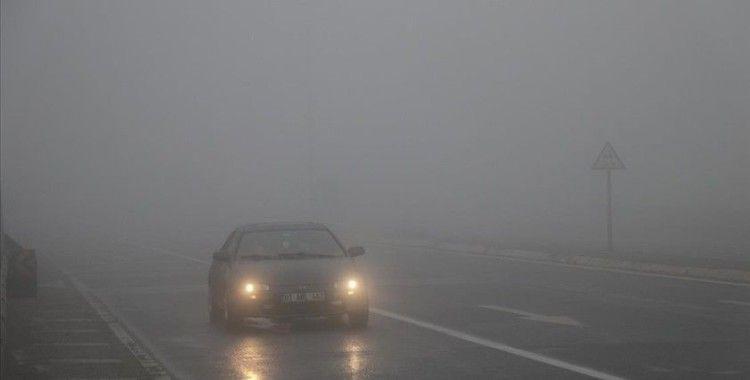 Bolu Dağı'nda sağanak ve sis ulaşımı olumsuz etkiliyor