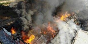Üniversitenin deposunda yangın