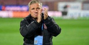 Dan Petrescu: 'Amacımız maçlar kazanarak kulübü üst sıralara çıkarmak'