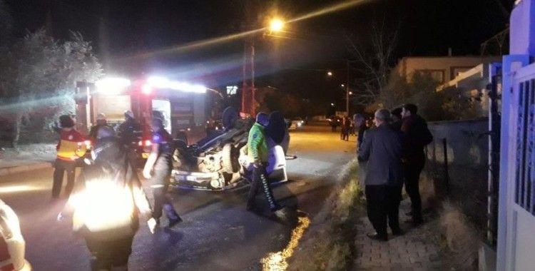 Ehliyetsiz sürücü araçla takla attı