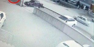 Otomobil ile motosiklet böyle çarpıştı: 2 yaralı