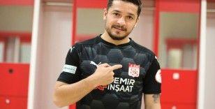 Sivasspor, Ahmet Oğuz'u kadrosuna kattı