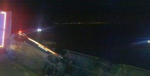 Afyonkarahisar'da aşırı rüzgar nedeniyle 6 araç devrildi