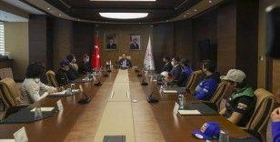 Gençlik ve Spor Bakanı Kasapoğlu: Branş ayırt etmeden desteğimizi sunuyoruz