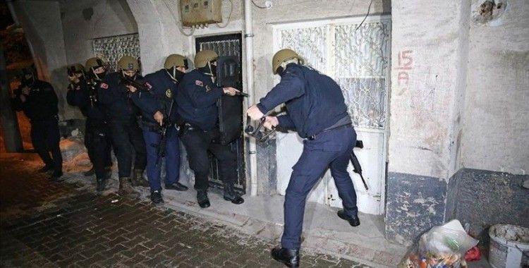 Adana'da terör örgütü DEAŞ operasyonu: 6 gözaltı