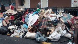 Esenler'de bir evden 3 kamyon çöp çıkartıldı