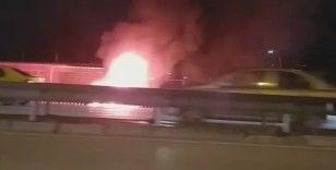 Şehrin en işlek caddesinde motorunu ateşe verip gitti