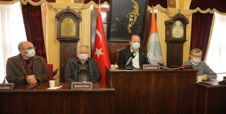 15 Temmuz'da kadeh kaldırıp şarkı söyleyen Edirne Belediye Başkanı Gürkan'a 2 yıl hapis istemi