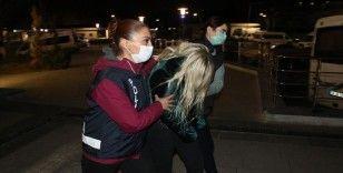 Uyuşturucu kullanırken çekilen görüntülerde Ümitcan Uygun'un yanında bulunan kadın Ankara emniyetine getirildi