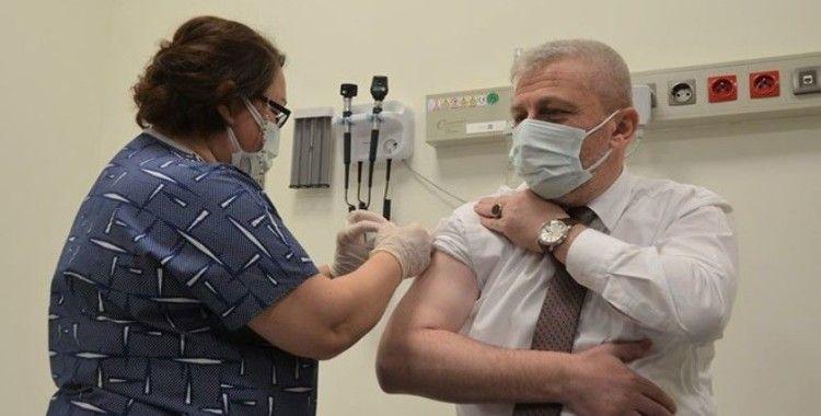 Yaptırdığı aşı plasebo çıkınca yeniden aşı oldu