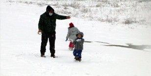 Yıldıztepe Kayak Merkezi kar yağışının ardından beyaza büründü