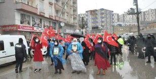 Şırnak anneleri, sağanak yağışa rağmen HDP'den çocuklarını istedi