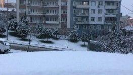 Bursa şehir merkezi beyaza büründü