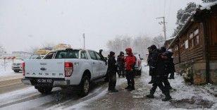 Kartepe'de kaybolan doktor için belediye ekipleri de seferber oldu