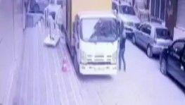 Sultangazi'de saniyeler içinde hırsızlık kamerada
