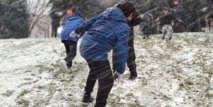 Kısıtlamayı unutup karın keyfini çıkardılar
