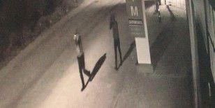 İş yerinden hırsızlık yapanlar önce güvenlik kamerasına, ardından polise yakalandı