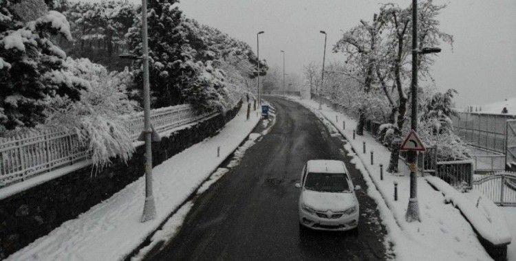 Beyaz örtü ile kaplanan Mecidiyeköy havadan görüntülendi