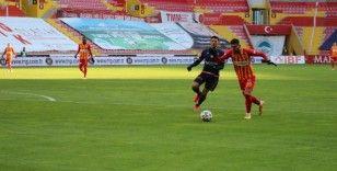 Süper Lig: Kayserispor: 1 - Medipol Başakşehir: 0 (İlk Yarı)