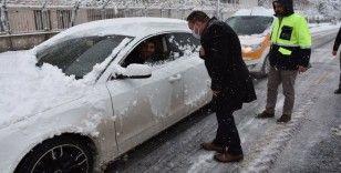 Bağlar'a yılın ilk karı düştü, Başkan Beyoğlu ekiplerle birlikte sahaya indi