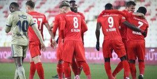 Yiğidolar, ligde 9. beraberliğini aldı