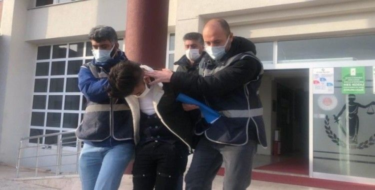 Çete üyeliği iddiasıyla canlı yayına çıktı, çocuk istismarından tutuklandı