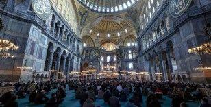 Osmanlı Hanedan Reisi Osmanoğlu için Ayasofya Camisi'nde gıyabi cenaze namazı kılındı
