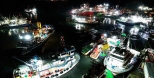 Yasaklı alan dışında kalan İğneada'da 250 tekne hamsi peşinde