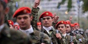 Türkiye ile gerginlik yaşayan Yunanistan, askerlik süresini 12 aya çıkardı