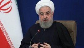 İran Cumhurbaşkanı Ruhani: En az 5-6 ay daha sağlık protokollerine uymaya devam etmeliyiz