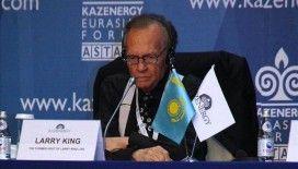 Dünyaca ünlü ABD'li sunucu Larry King, Kovid-19 nedeniyle yaşamını yitirdi