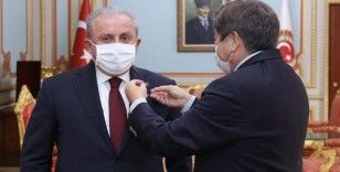 TBMM Başkanı Şentop'a TÜRKSOY'dan Abay Kunanbay Madalyası