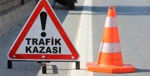 TEM otoyolu Avcılar Gişeleri Haramidere istikametinde bir tır ile midibüsün karıştığı kaza meydana geldi