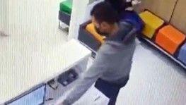 Hastanedeki telefon hırsızlığı güvenlik kamerasına böyle yansıdı