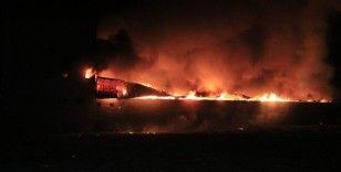 Adana'da mobilya atölyesinde çıkan yangın korkuttu