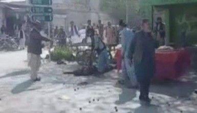 Pakistan'da Keşmir yürüyüşüne bombalı saldırı