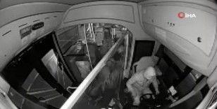 Çaldığı otobüsü kapıları açık şekilde Beyoğlu'na bıraktı