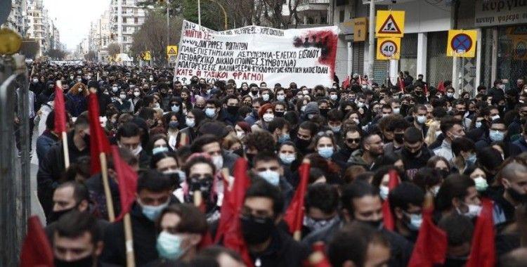 Yunanistan'da öğrencilerden yeni yasa tasarısına karşı protesto
