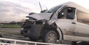 E5'i kilitleyen kaza: 2 yaralı