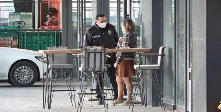 'Metrobüsten inen kadını takip edip görüntüledi': Polis gözaltına almaya geldi, o gazoz içmeye devam etti