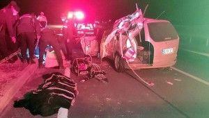 Konya'da otomobil tır ile çarpıştı