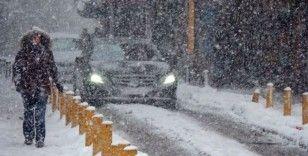 Meteoroloji: 'İstanbul'da kar kalındığı 30 santimetreye çıkacak'
