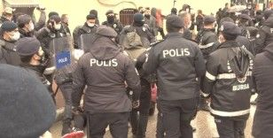 Bursa'da izinsiz gösteriye gözaltı