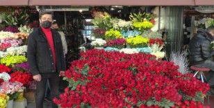 14 Şubat sevgililer gününün gözdesi gül oldu